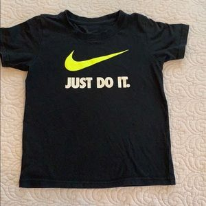 Nike size 7 boys shirt